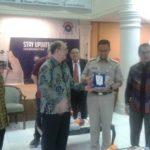 Selain Beri Kuliah Di STT REM, Anies Baswedan (Gubernur DKI Jakarta) Juga Turut Menyaksikan Pelantikan Pdt.Yogi Dewanto Sebagai Ketua STT REM  yang Baru